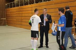 Ehrung des 2. Platzierten: FC Millwall beim Fußballturnier durch Oberbürgermeister Dr. Spies