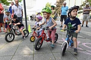 """Anlässlich der Deutschland Tour in Marburg organisierte die Stadt das """"Fest des Radfahrens"""" mit einem Begleitprogramm. Dazu gehörte auch das """"Bambini-Rennen"""".©Georg Kronenberg"""