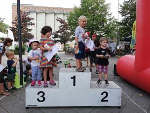 Glückliche Gewinner*innen beim Bambini-Rennen.©Stefanie Profus, i.A.d. Stadt Marburg