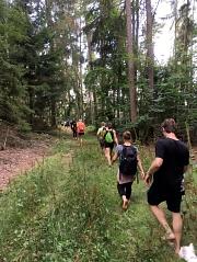 Marburger Barfuß-Waldlauf-Wanderung