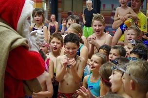Nikolausschwimmen des VfL Marburg©VfL Marburg, Schwimmabteilung