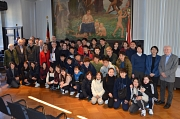 Reisegruppe aus Tenri im Rathaus_klein_Foto Thomas Steinforth, Stadt Marburg
